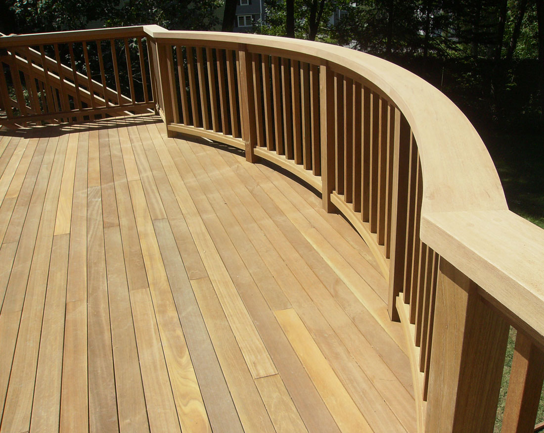 Curved railing detail